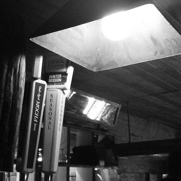 Das Foto wurde bei Alphabet City Beer Co. von Diggs am 1/21/2013 aufgenommen