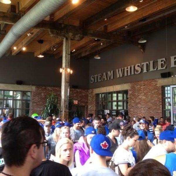 6/22/2013 tarihinde Scott P.ziyaretçi tarafından Steam Whistle Brewing'de çekilen fotoğraf