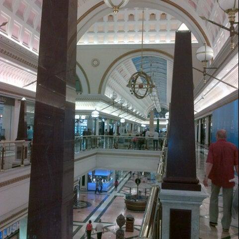 Foto tomada en Centro Comercial Gran Vía 2 por Robinson C. el 9/25/2012