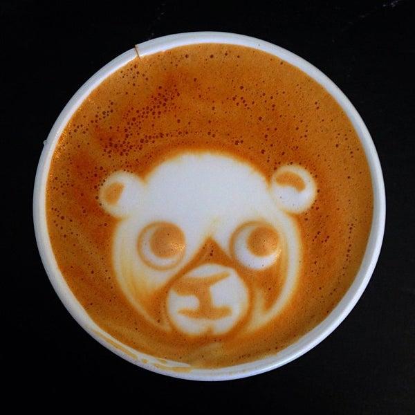 Das Foto wurde bei Elite Audio Coffee Bar von Pete P. am 7/8/2013 aufgenommen