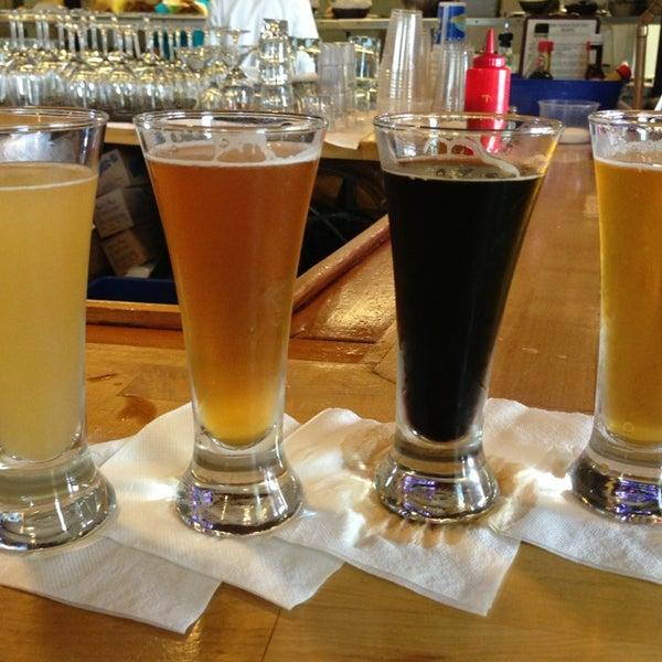 7/20/2013에 Sarah N.님이 Outer Banks Brewing Station에서 찍은 사진