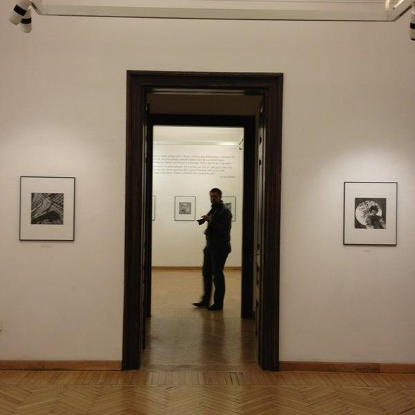 12/30/2012にHanna Johanna K.がMai Manó Gallery and Bookshopで撮った写真