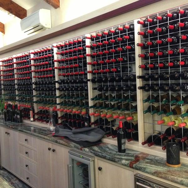 Photo prise au Peju Province Winery par James U. le3/31/2013