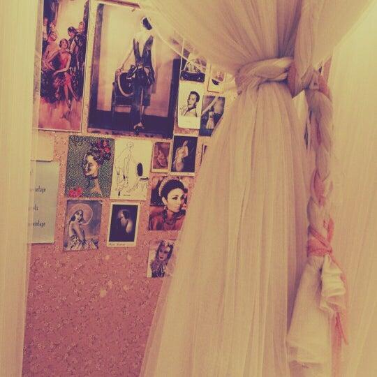 5/25/2014にIrene 🍒がI Love Vintageで撮った写真