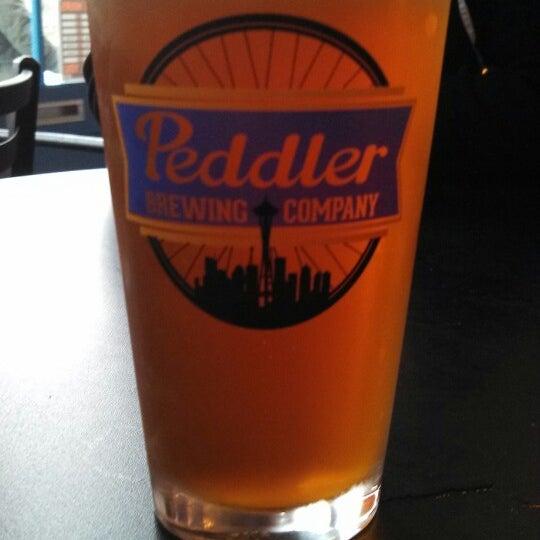 Снимок сделан в Peddler Brewing Company пользователем Erik S. 4/21/2013