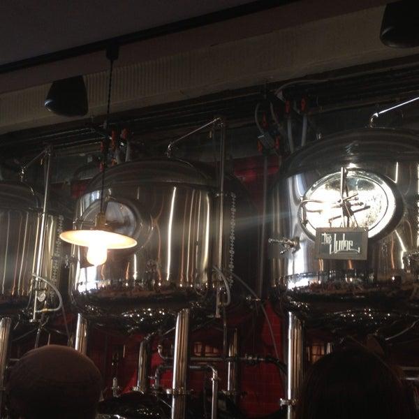 6/15/2013에 Neha M.님이 DryHop Brewers에서 찍은 사진