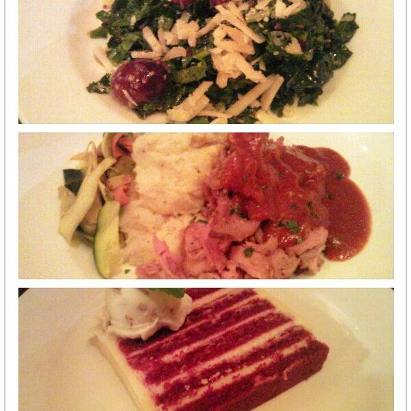 Foto scattata a Chelsea's Kitchen da KuoLing C. il 9/18/2012