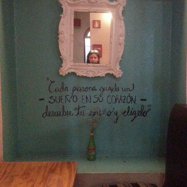 Foto tomada en Hostal Regina por Chula C. el 11/29/2014