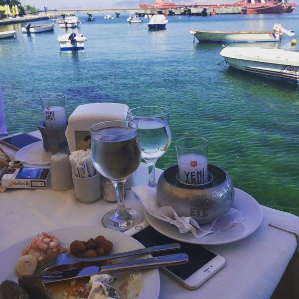 Foto tirada no(a) Yasemin Restaurant por 👸 Ayça D. em 6/2/2016