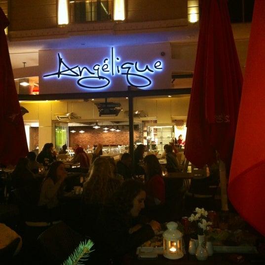Foto tomada en Del Moon Coffee & Food & Hookah por 👸 Ayça D. el 10/28/2012