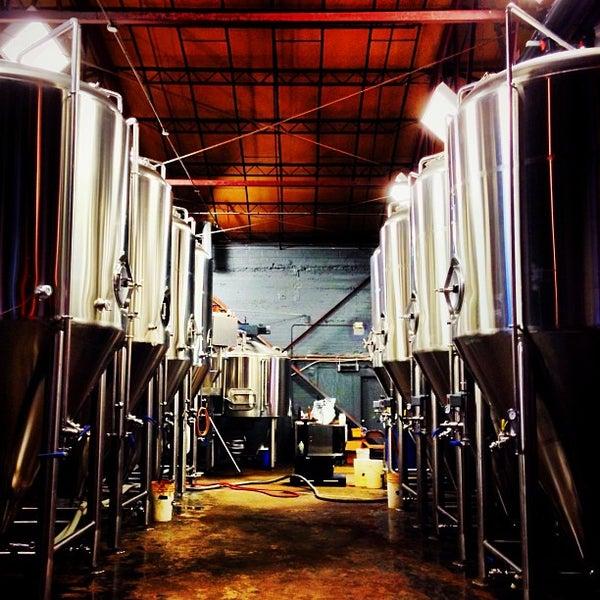 Foto diambil di Good People Brewing Company oleh Jeremy K. pada 7/26/2013