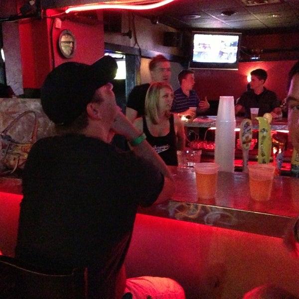 7/21/2013에 Adam J.님이 Jerseys Bar & Grill에서 찍은 사진