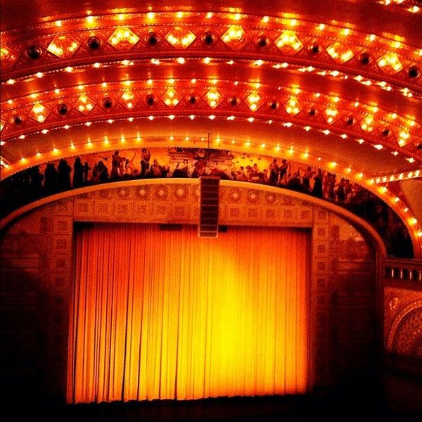10/21/2012 tarihinde Alex R.ziyaretçi tarafından Auditorium Theatre'de çekilen fotoğraf