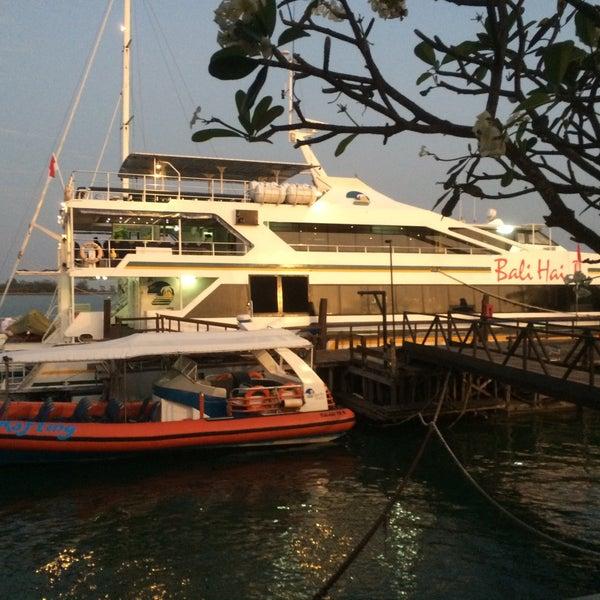 9/27/2015에 Zain B.님이 Bali Hai Cruises에서 찍은 사진