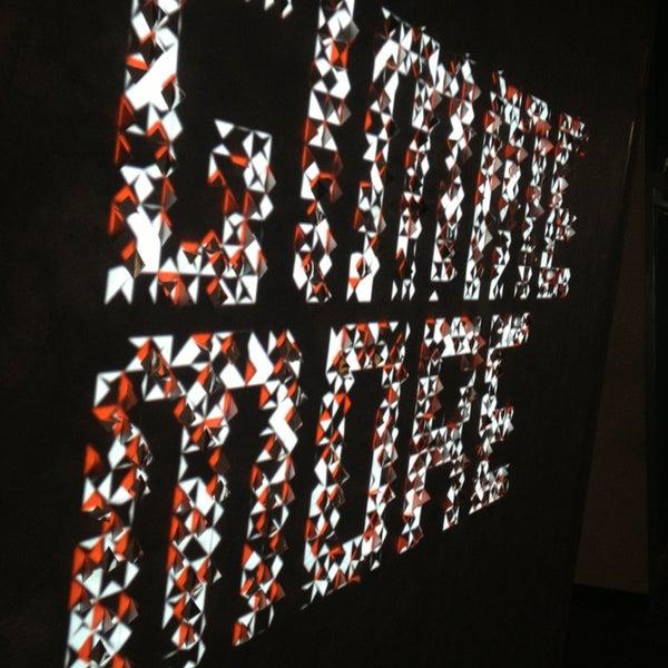 Das Foto wurde bei Eyebeam Art + Technology Center von Donnie S. am 2/26/2013 aufgenommen