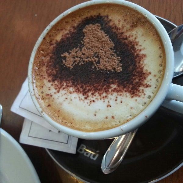 รูปภาพถ่ายที่ Exprèx Caffè โดย Natalia B. เมื่อ 8/9/2013