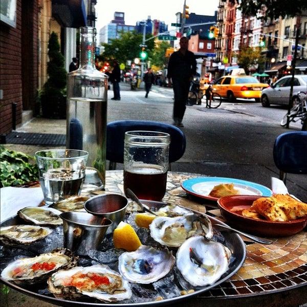 Photo prise au Nomad Restaurant par Brandon B. le10/23/2012
