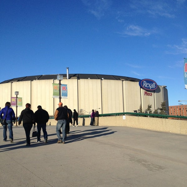 3/10/2013 tarihinde Travis K.ziyaretçi tarafından Northlands Coliseum'de çekilen fotoğraf