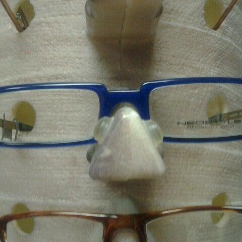 Photo prise au Smith's Opticians par John B. le1/24/2013