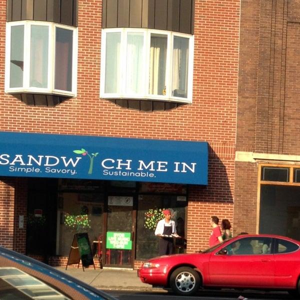 Foto tirada no(a) Sandwich Me In por Christy M. em 8/25/2013