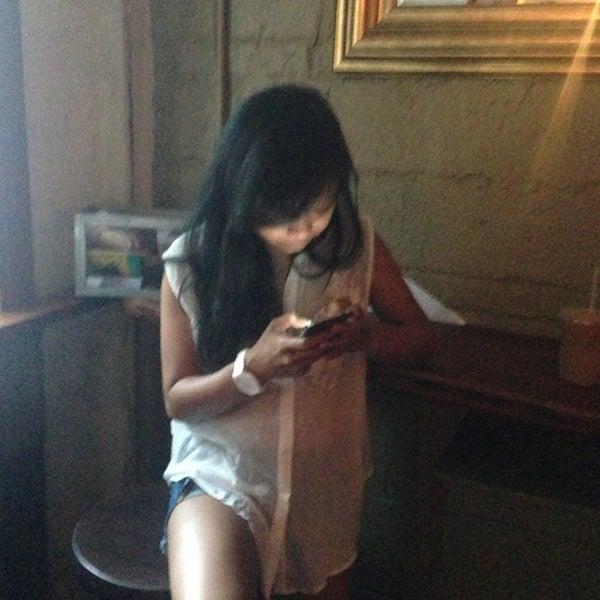 รูปภาพถ่ายที่ The West—Coffeehouse & Bar โดย Jeri S. เมื่อ 7/14/2013