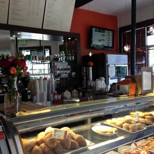 10/17/2012 tarihinde Paul W.ziyaretçi tarafından Pappalecco'de çekilen fotoğraf