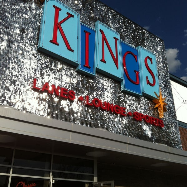 Снимок сделан в Kings Dining & Entertainment пользователем Fer 5/1/2013