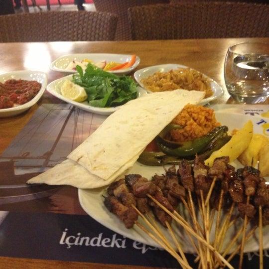 Foto diambil di Topçu Restaurant oleh Murat Z. pada 11/12/2012