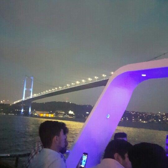 6/22/2016 tarihinde Selin U.ziyaretçi tarafından Seyr-ü Sefa Teknesi | İstanbul Tekne Kiralama & Teknede Düğün'de çekilen fotoğraf