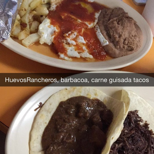 Снимок сделан в La Mexicana Bakery пользователем Steff C. 7/4/2015