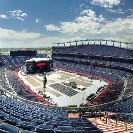 Foto diambil di Broncos Stadium at Mile High oleh Wendi J. pada 7/20/2013