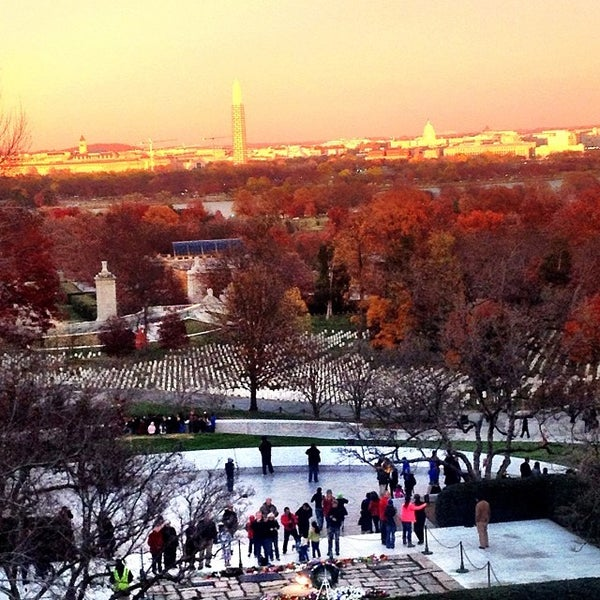 Photo prise au Arlington National Cemetery par Bob B. le11/23/2013