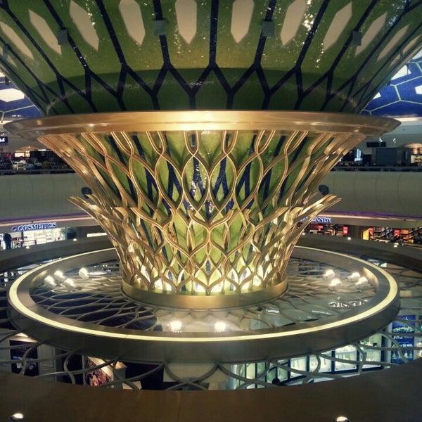 Photo prise au Abu Dhabi International Airport (AUH) par jiyoen l. le7/27/2013