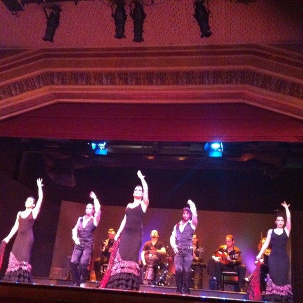 Снимок сделан в Palacio del Flamenco пользователем İrem U. 1/29/2013