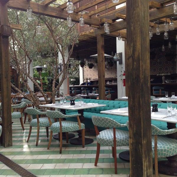 รูปภาพถ่ายที่ Cecconi's Miami Beach โดย Tanya D. เมื่อ 3/30/2013