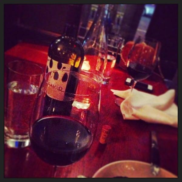 4/29/2013にSara P.がThe Tangled Vine Wine Bar & Kitchenで撮った写真