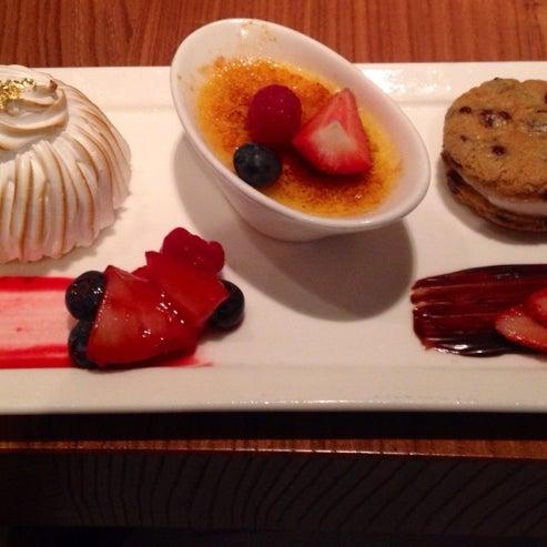 Снимок сделан в SOUTHGATE Bar & Restaurant пользователем Cecilia D. 7/11/2014