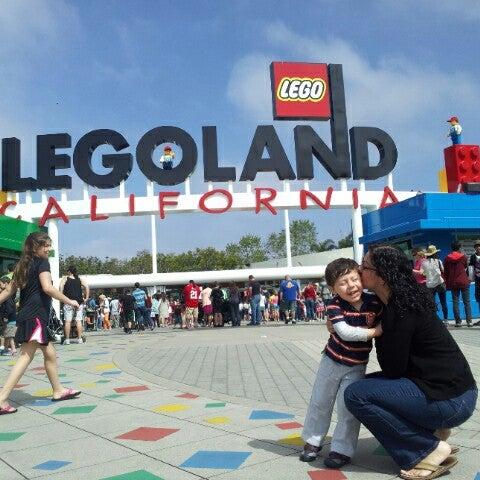 Foto tirada no(a) Legoland California por Joel R. em 4/3/2013