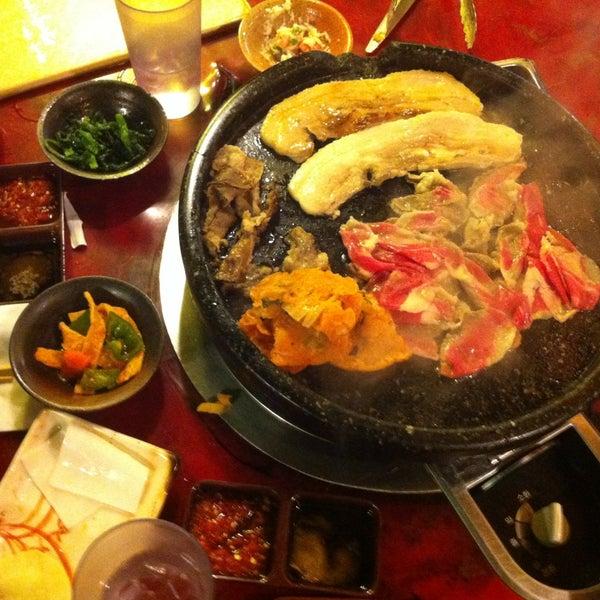 Foto scattata a Hae Jang Chon Korean BBQ Restaurant da Matthieu R. il 5/6/2013