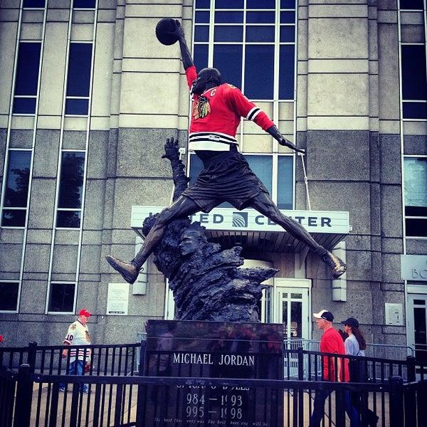 รูปภาพถ่ายที่ United Center โดย Manny L. เมื่อ 6/15/2013