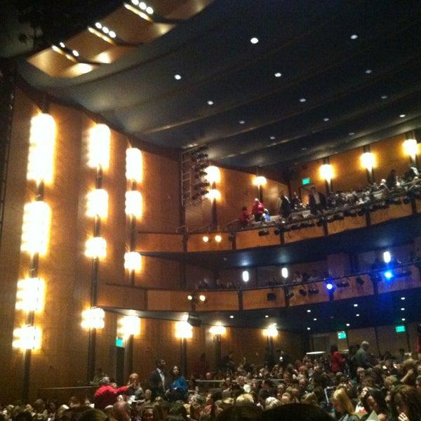 Снимок сделан в The John F. Kennedy Center for the Performing Arts пользователем Ashley A. 3/24/2013