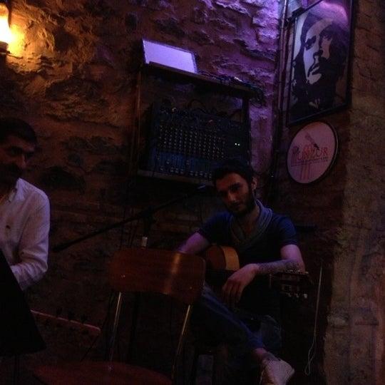 10/3/2012 tarihinde Celaleddin T.ziyaretçi tarafından CLUBIQ'de çekilen fotoğraf