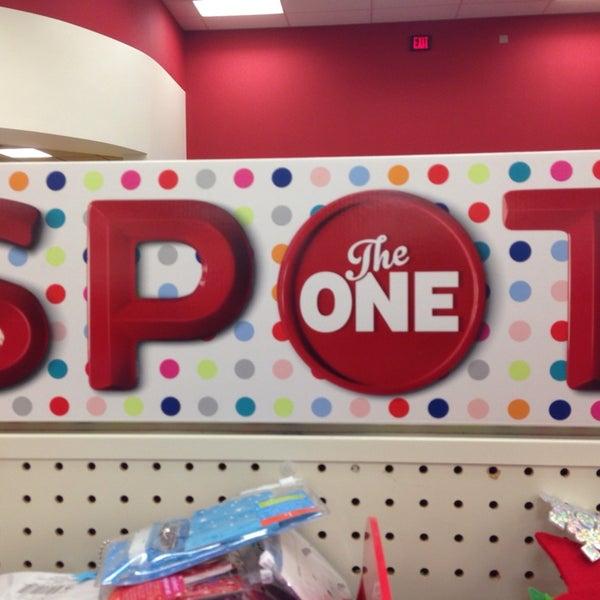 Снимок сделан в Target пользователем Jamelle S. 12/6/2013