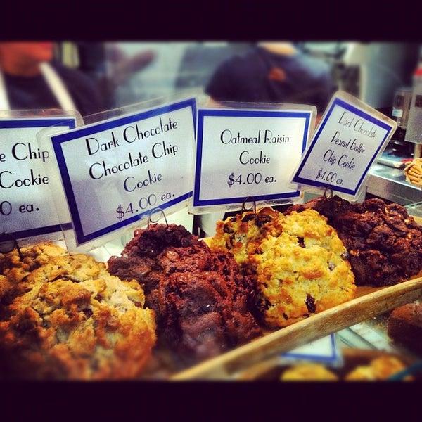 9/29/2012에 Nicholas F.님이 Levain Bakery에서 찍은 사진