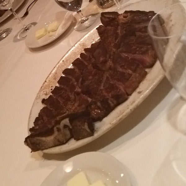 12/9/2014에 george k.님이 Angus Club Steakhouse에서 찍은 사진