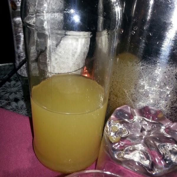 รูปภาพถ่ายที่ Tantra Lounge โดย Elizabeth C. เมื่อ 12/1/2013