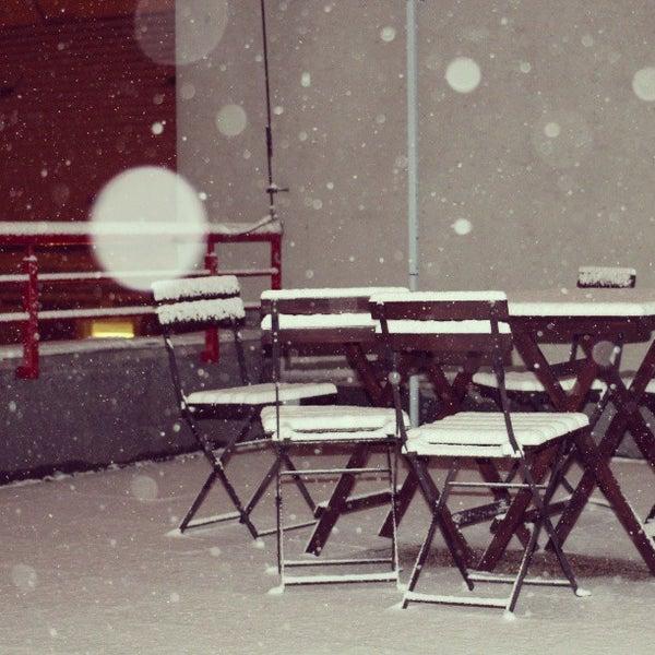 3/26/2013 tarihinde David D.ziyaretçi tarafından Trafó - House of Contemporary Arts'de çekilen fotoğraf