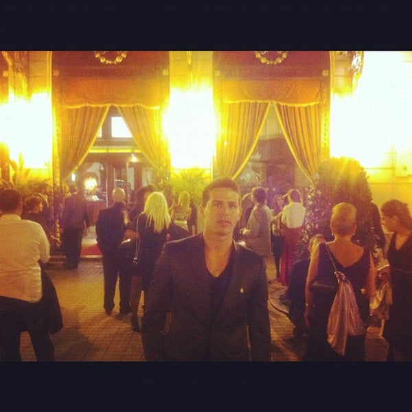 Foto tirada no(a) El Palace Hotel Barcelona por Clay H. em 10/7/2012