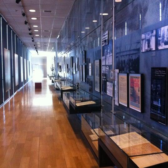 Foto diambil di Museo de la Memoria y los Derechos Humanos oleh Carlos A. pada 12/5/2012