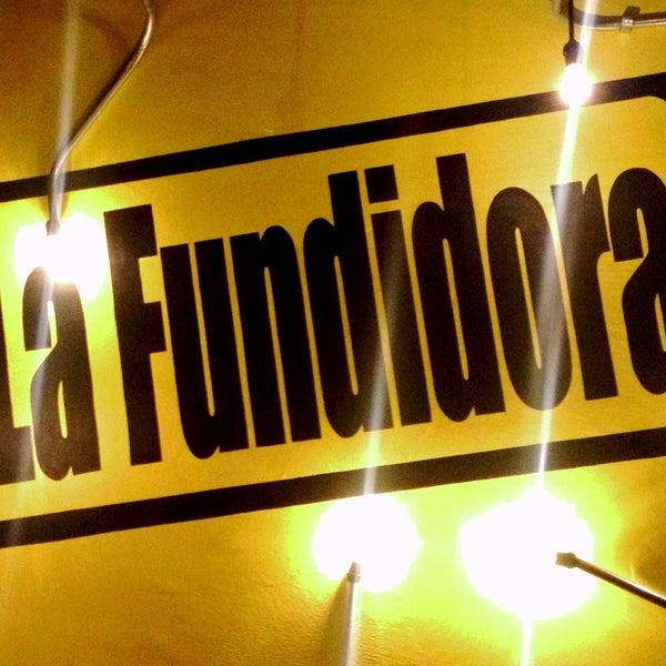 Foto diambil di La Fundidora Cerveceria oleh Mauricio F. pada 5/4/2013